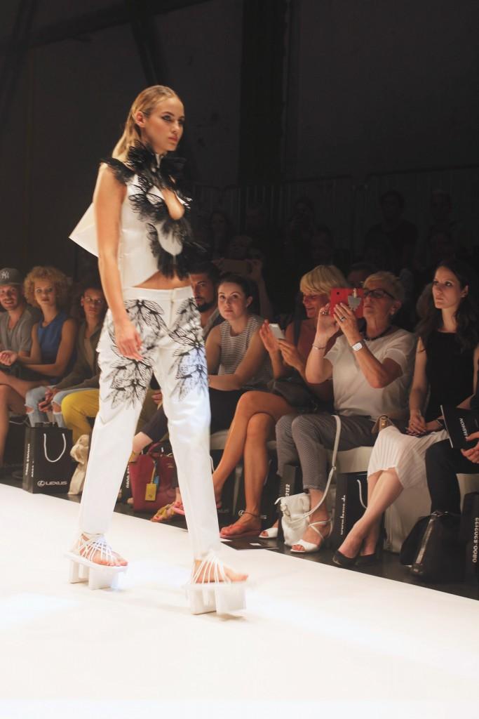 Mode aus dem 3D Drucker beeindruckte die Besucher bei Platform Fashion. Ausgefallene Stücke, die bisher nur in Ausstellungen gezeigt wurden, präsentierten die Models auf dem Laufsteg