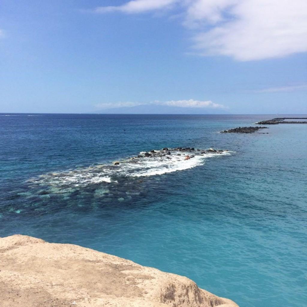 Katharina von Some Kind of Fashion verbrachte ihren letzten Urlaub auf Teneriffa und verrät nun ihr Highlights und nützliche Tipps von den kanarischen Insel. Einer ihrer Lieblingsstrände ist der Playa del Duque im Süd-Westen der Insel.