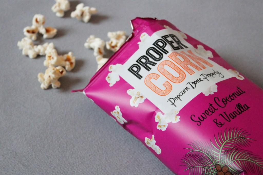 Eine Woche mit zwei außergewöhnlichen Highlights. Die könnten unterschiedlicher nicht sein und haben doch so viel Spaß gemacht. Da ist Bloggerin Katharina froh, dass sie nun mal eine Woche entspannen kann. Ein Serien-Abend mit leckerem Popcorn von Proper Corn wird bestimmt auch mit dabei sein.