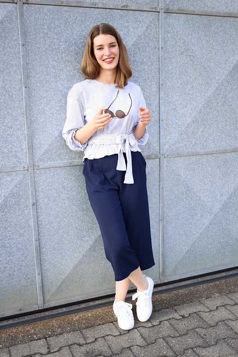 Katharina von Some Kind of Fashion hat ein Style Diary zusammengestellt, in dem sie zeigt, was sie die letzten Tage getragen hat und Inspiration bietet, wie ihr eure Outfits für den Alltag gestalten könnt. Der Look mit blauer Culottes und einem süßen Oberteil mit Schleifen-Details ist dabei ihr Favorit.