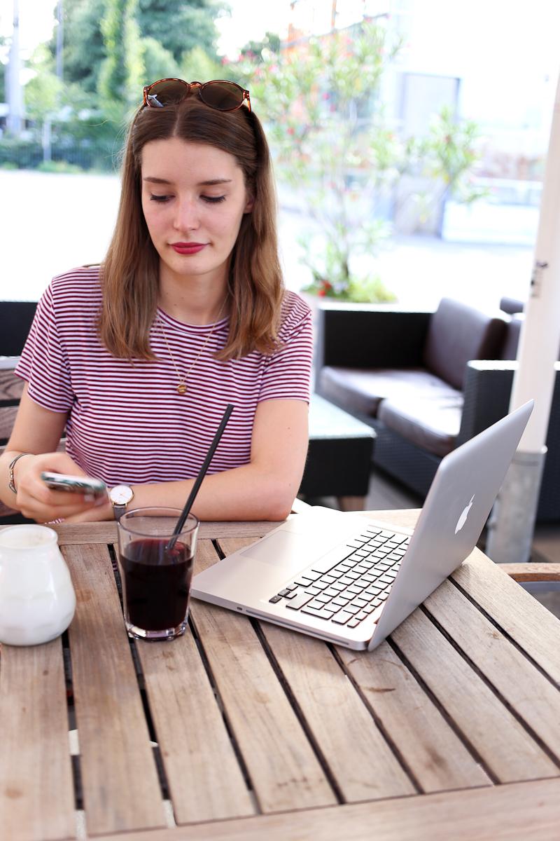 Ein Tag hat nur 8 Stunden. Mindestens acht davon sitze ich im Büro, fünf Tage die Woche. Doch wie bekommt Bloggen und Vollzeitjob unter einen Hut?