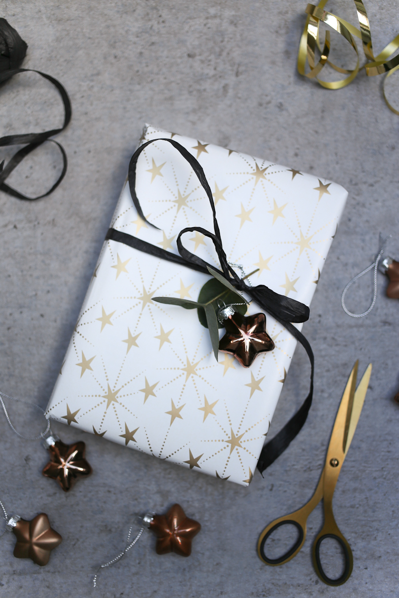 Was ist Weihnachten ohne Geschenke? Damit deine Geschenke noch besser ankommen, zeige ich dir Ideen wie du deine Weihnachtsgeschenke verpacken kannst. Bist du mehr der klassische oder der moderne Verpackungstyp?